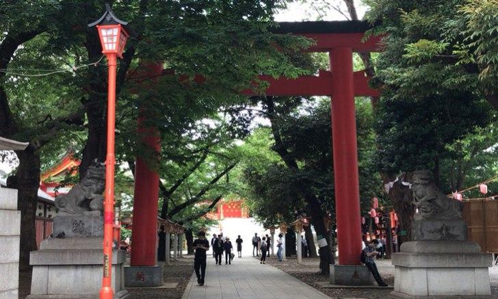 新宿 歌舞伎町 花園神社 大鳥居