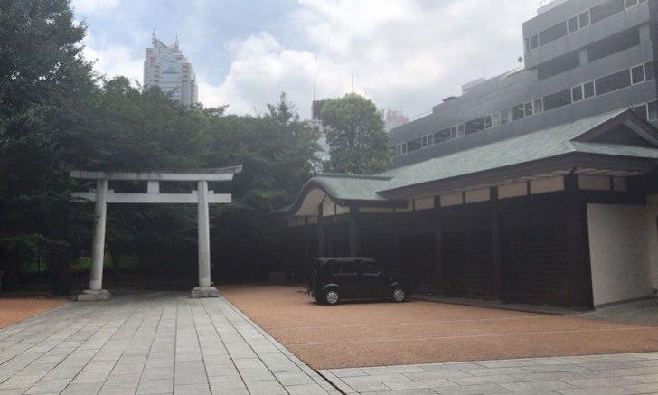 西新宿 十二社熊野神社 鳥居 参道