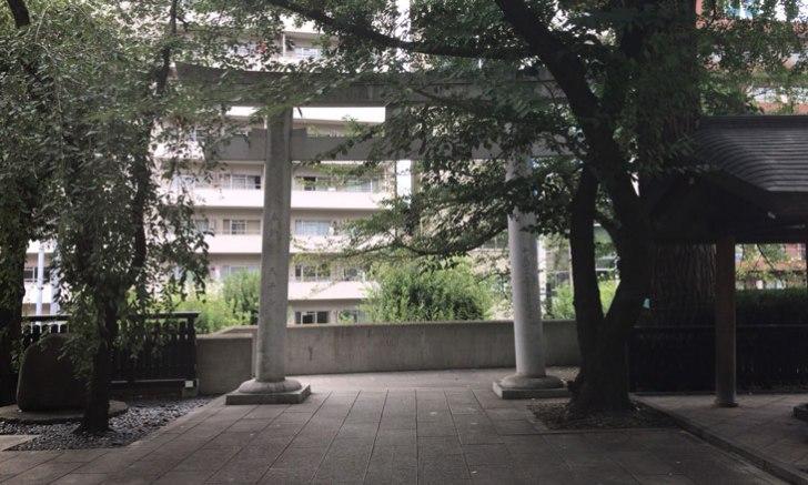 西新宿 十二社熊野神社 鳥居