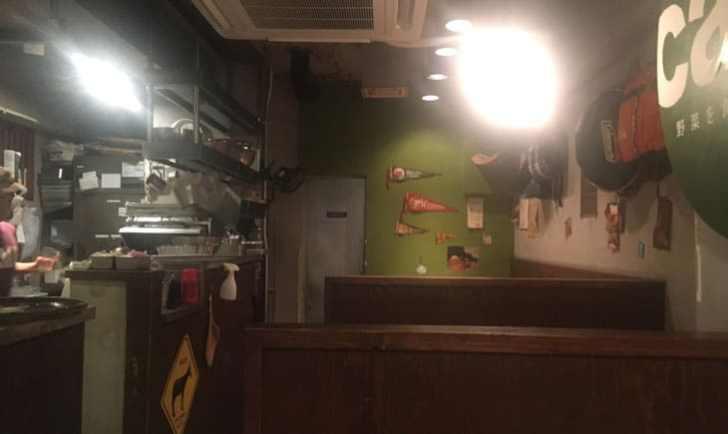 野菜を食べるカレー「camp」代々木本店 店内