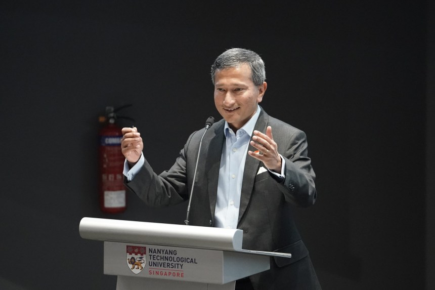 Dr Vivian Balakrishnan speaking at the NTU Students Union Ministerial Fo...