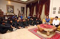 Timnas Pelajar Putra U-16 - Silaturahmi Idul Fitri & Pelepasan - Di Kediaman Ketua Umum PSSI Nurdin Halid (GOAL.com / Dhedhe D.)