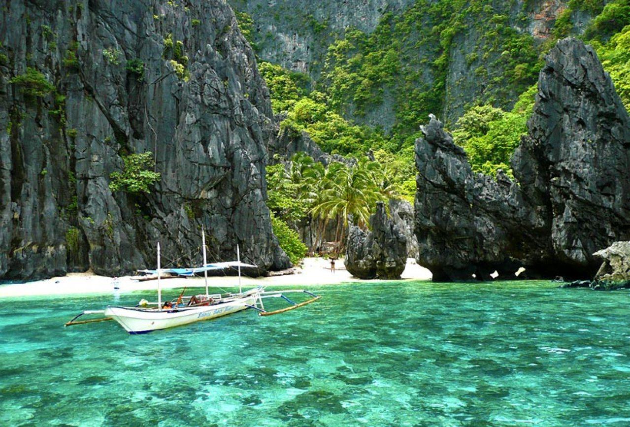 Secret Lagoon, El Nido, Palawan, Philippines 2013 © Sabrina Iovino | JustOneWayTicket.com