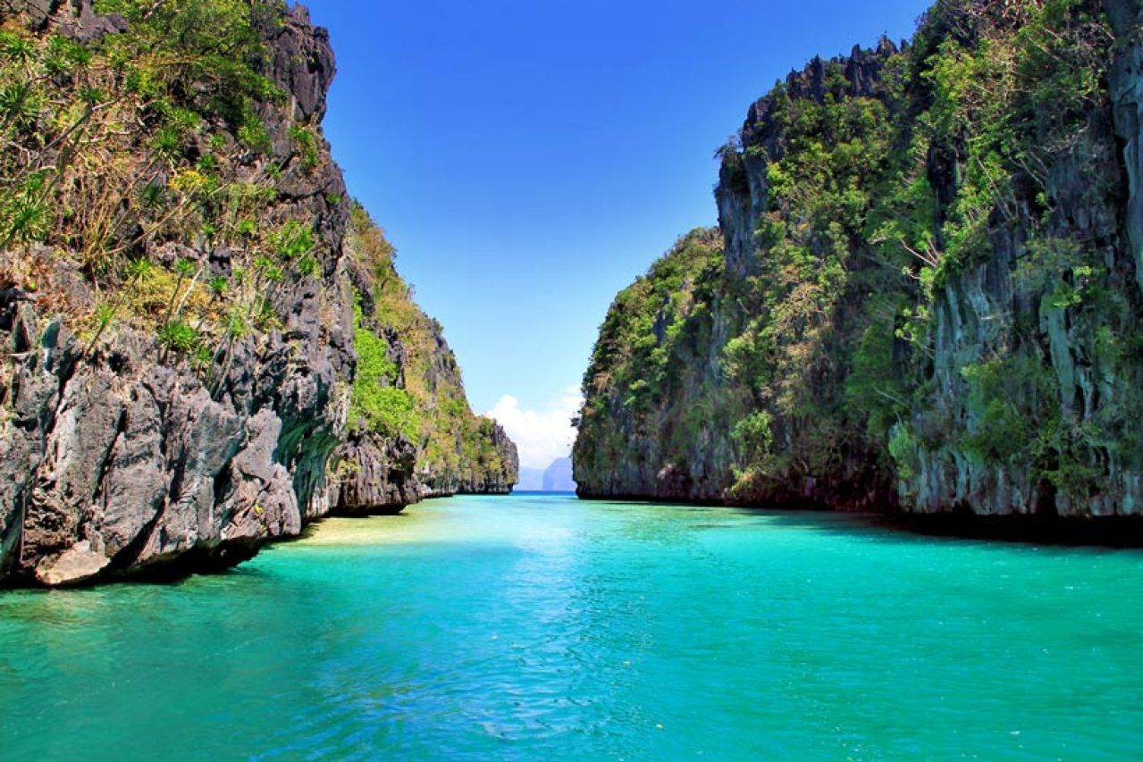 The  Big Lagoon, REALLY STUNNING!!! El Nido, Palawan, Philippines 2013 © Sabrina Iovino | JustOneWayTicket.com