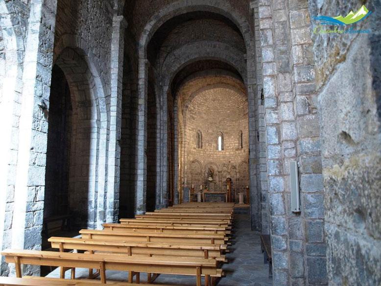Interior santa María de Obarra