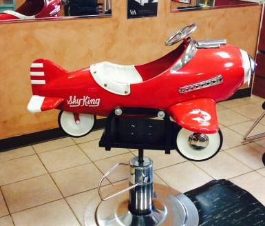 Azul Violeta Salon is family friendly, Galloso acquired this airplane for children's haircuts (photo provided by Galloso)