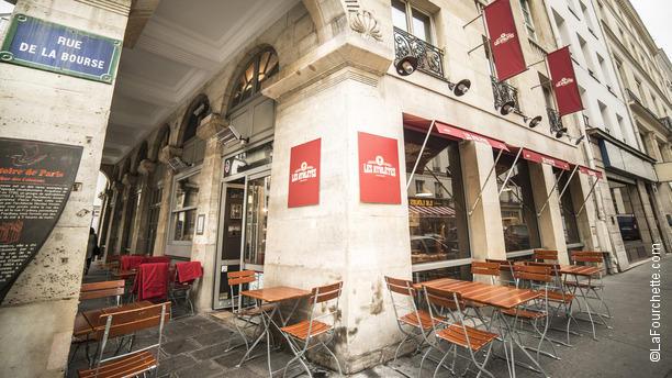 rue des colonnes 75002 paris