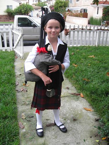 Scottish Bagpiper Costume