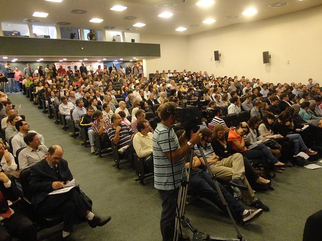População lotou a Assembléia Legislativa para debates o Plano Diretor Participativo de Florianópolis. Foto: Fabiano Faga Pacheco.