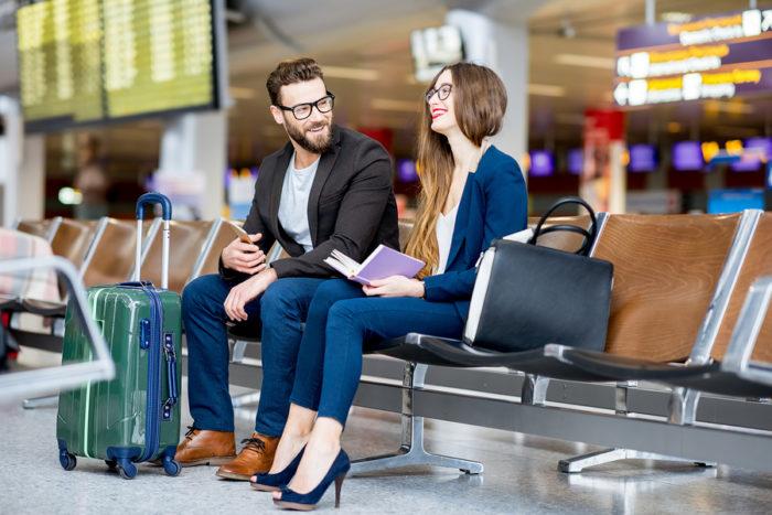 Если Вам задержали рейс, авиаперевозчик должен предоставить пассажирам