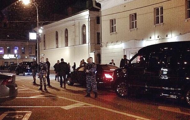 Російська олімпійська чемпіонка була помічена в московському кафе у супроводі десятка озброєних охоронців