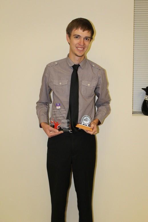 Larry segundo lugar entre los alumnos después de quinto semestre
