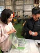 Naeun Jo and Kwanwoo Kim preparing samples to be frozen.