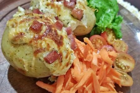 Receita de batatas recheadas super versátil e E-book grátis com Pequeno Guia de Ervas e Especiarias