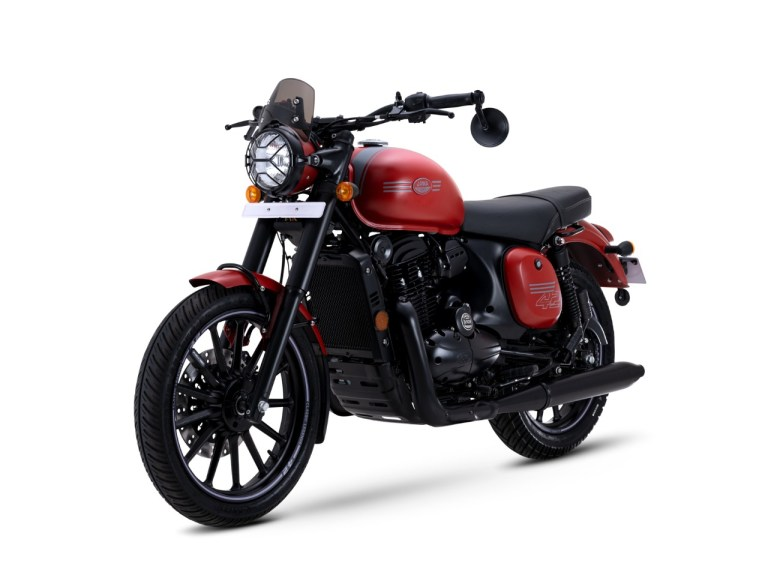 With the launch of New Jawa 42 version 2.1, the Jawa forty-two family gets three new members. The motorcycle is now priced at INR 1,83,942, ex-showroom Delhi.