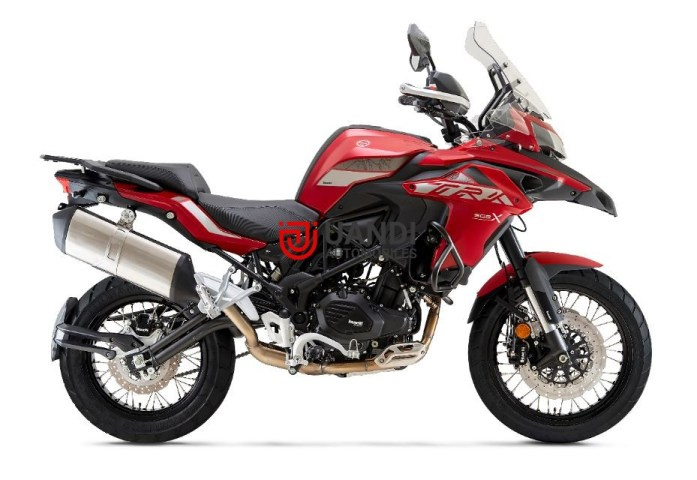 The Italian superbike maker Benelli has launched its popular Adventure Tourer motorcycle. The New BS-VI Benelli TRK 502X in the Indian market, at an introductory price starting at Rs. 5,19,900 for the Metallic Dark Grey colour. The Pure White and Benelli Red colour are priced at Rs. 5,29,900. Both prices are Ex-showroom, India, with a 3-Year Unlimited KMS warranty as standard.