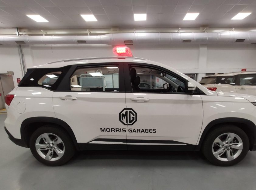MG Motors India is deploying 100 Hector Ambulance units equipped with modern life-saving equipment to battle with COVID. Indeed 8 units of the Ambulance are immediately given to Nagpur local authorities.