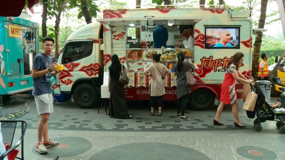 suasana-kegiatan-food-truck-4