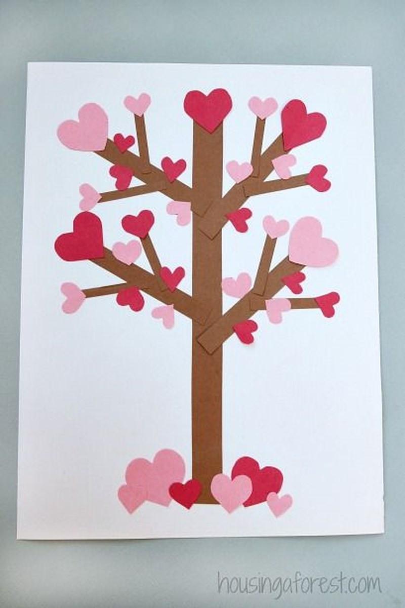 Открытка дерево с сердечками в доу