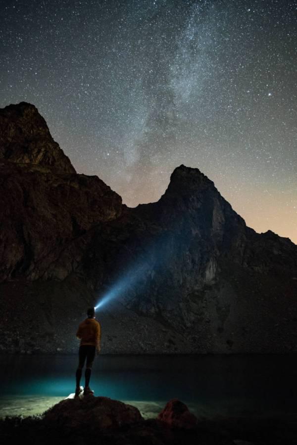 Autoportrait De Pierre Chauffour Au Lac Du Crozet Avec La Voie Lactée