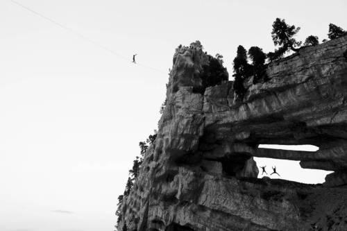 Highline Au Dessus D'une Arche En Chartreuse