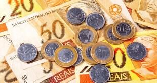 Salário mínimo será de R$ 871 a partir de janeiro