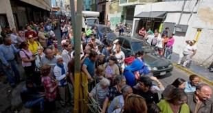 Leite vira artigo de luxo na Venezuela