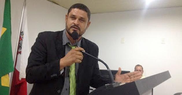 O senador Walter Pinheiro (PT-BA) anunciou nesta terça-feira (29) a desfiliação do Partido dos Trabalhadores (PT). A informação foi confirmada pela assessoria do senador.