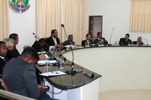 Ibirataia: Câmara rejeita projeto que pedia redução dos salários dos vereadores