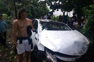 Ex-cantor da Calcinha Preta sofre grave acidente de carro