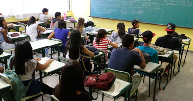 Reforma aumenta carga horária do ensino médio e reduz conteúdo obrigatório