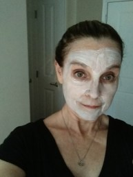 applying the detox mud mask