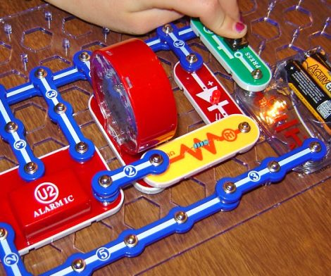 Kids Electronics Discovery Kit: Toy Helps Learn Basics Of Electronics