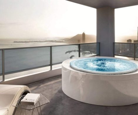 Fusion 200 Whirlpool Bathtub