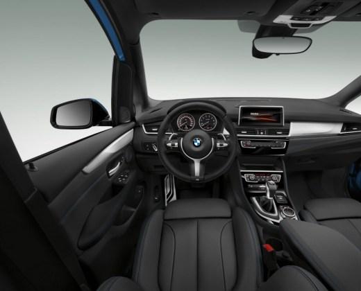 2er GT_Cockpit
