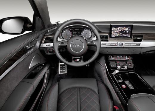 Audi S8 Plus_001