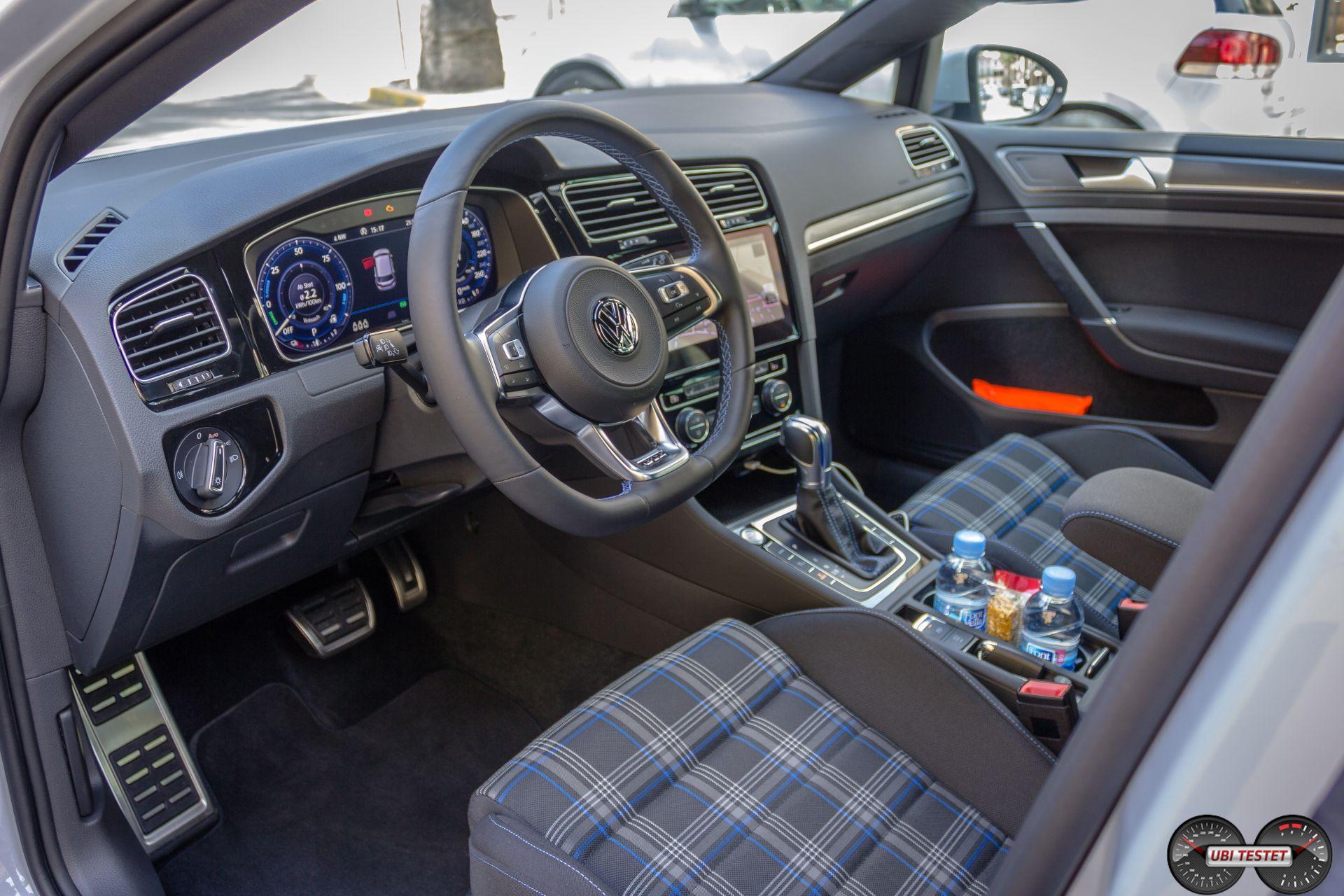 VW Golf GTE Innenraum active Info Display 2017
