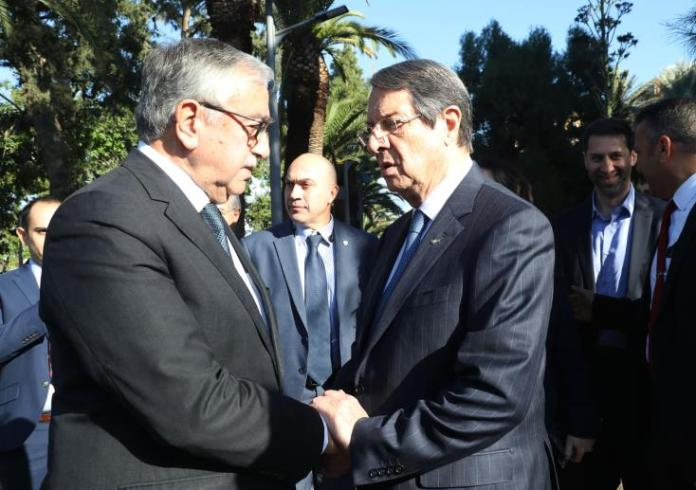 President Anastasiades and Mustafa Akinci meet over possible measures against coronavirus
