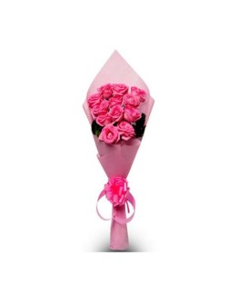 12 Pink Roses Hand Bunch