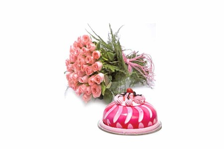 Pink Roses Bunch with Strawberry Cake