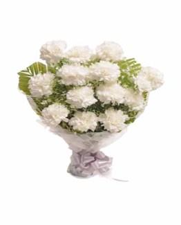 12 White Carnations Hand Bunch