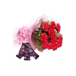 Red carnations Hand Bunch with dairy milk