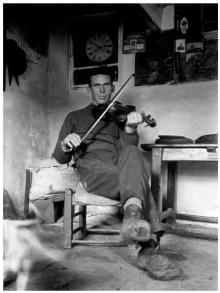 Blasket fiddler