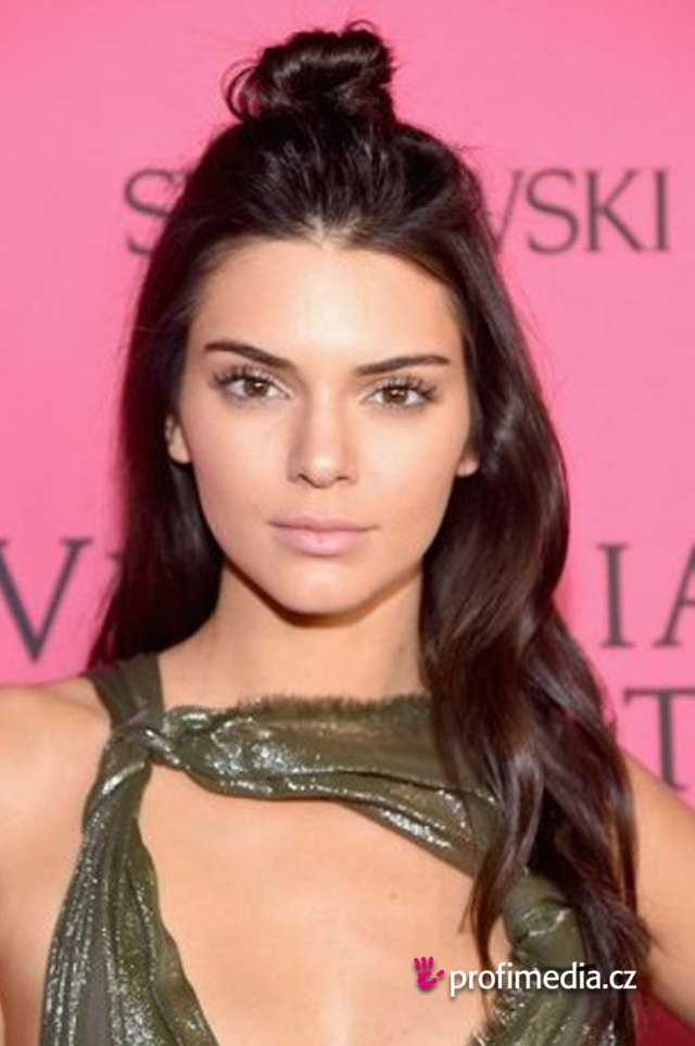 kendall jenner - - hairstyle - easyhairstyler