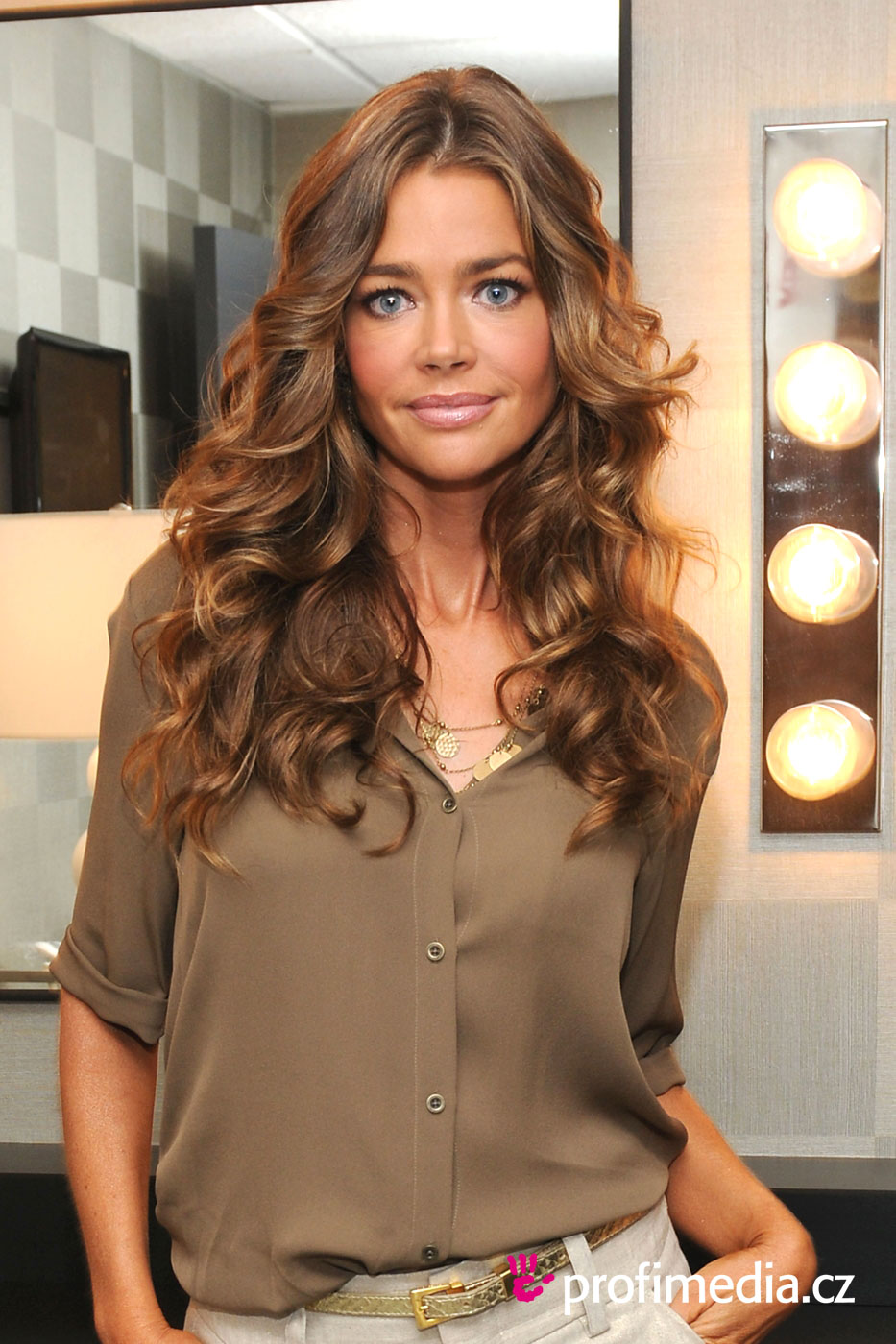 Easy Short Hairstyles For Wavy Hair Page 1