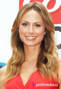 Stacy Keibler     Promi Frisuren zum Ausprobieren in eFrisuren Promi Frisuren   Stacy Keibler