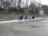 Training in the rain on the Tideway
