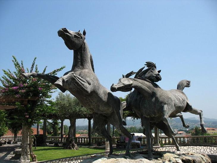 Monumento al Caballo Salvaje: Información útil y fotos