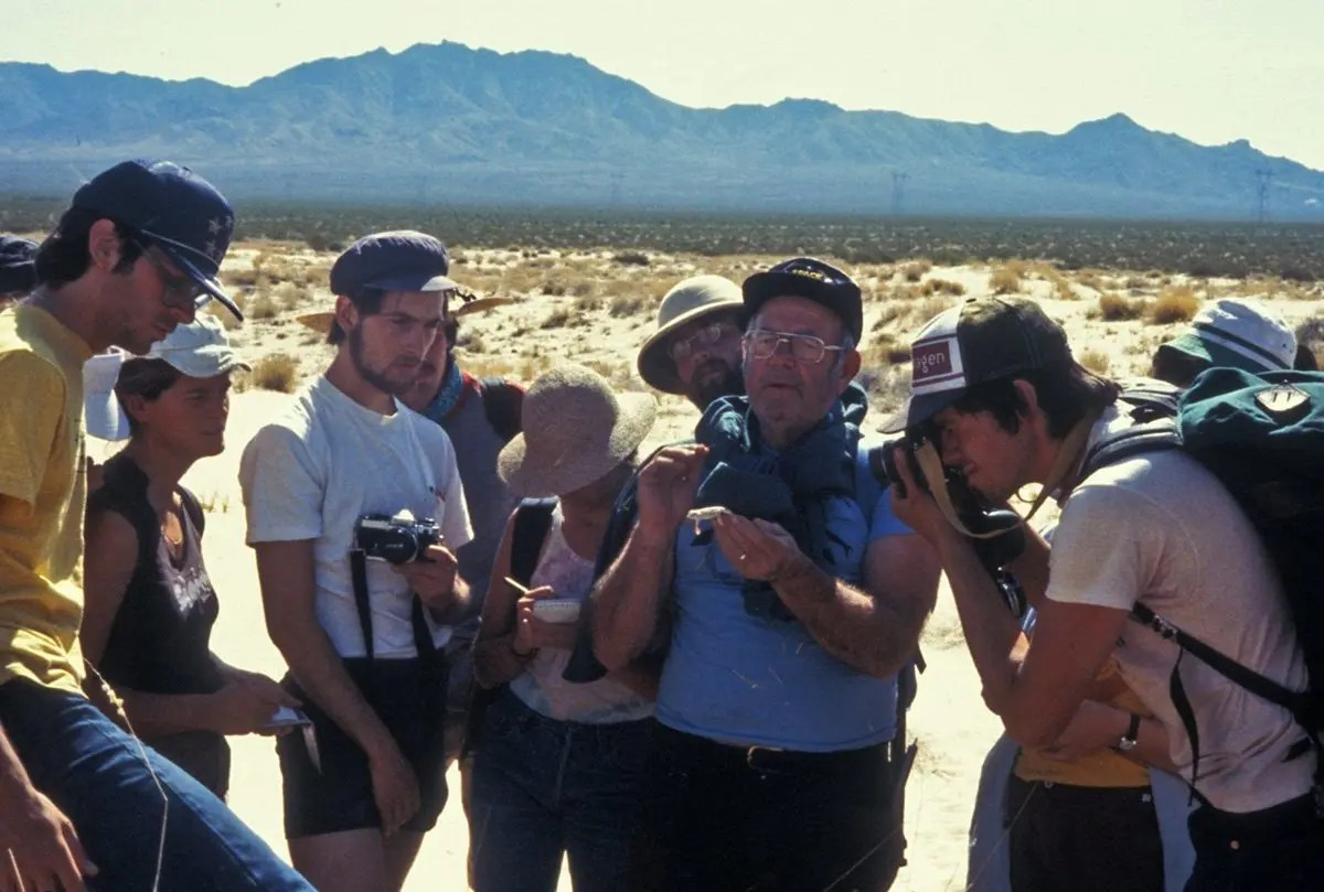 Ken Norris in the desert with Natural History Field Quarter students.