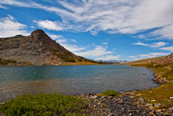 Among the topics students studied were the ecology and chemistry of mountain lakes such as this one in Yosemite National Park. Image credit: Lobsang Wangdu